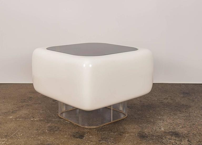Floating Fiberglass Table By Warren Platner At 1stdibs