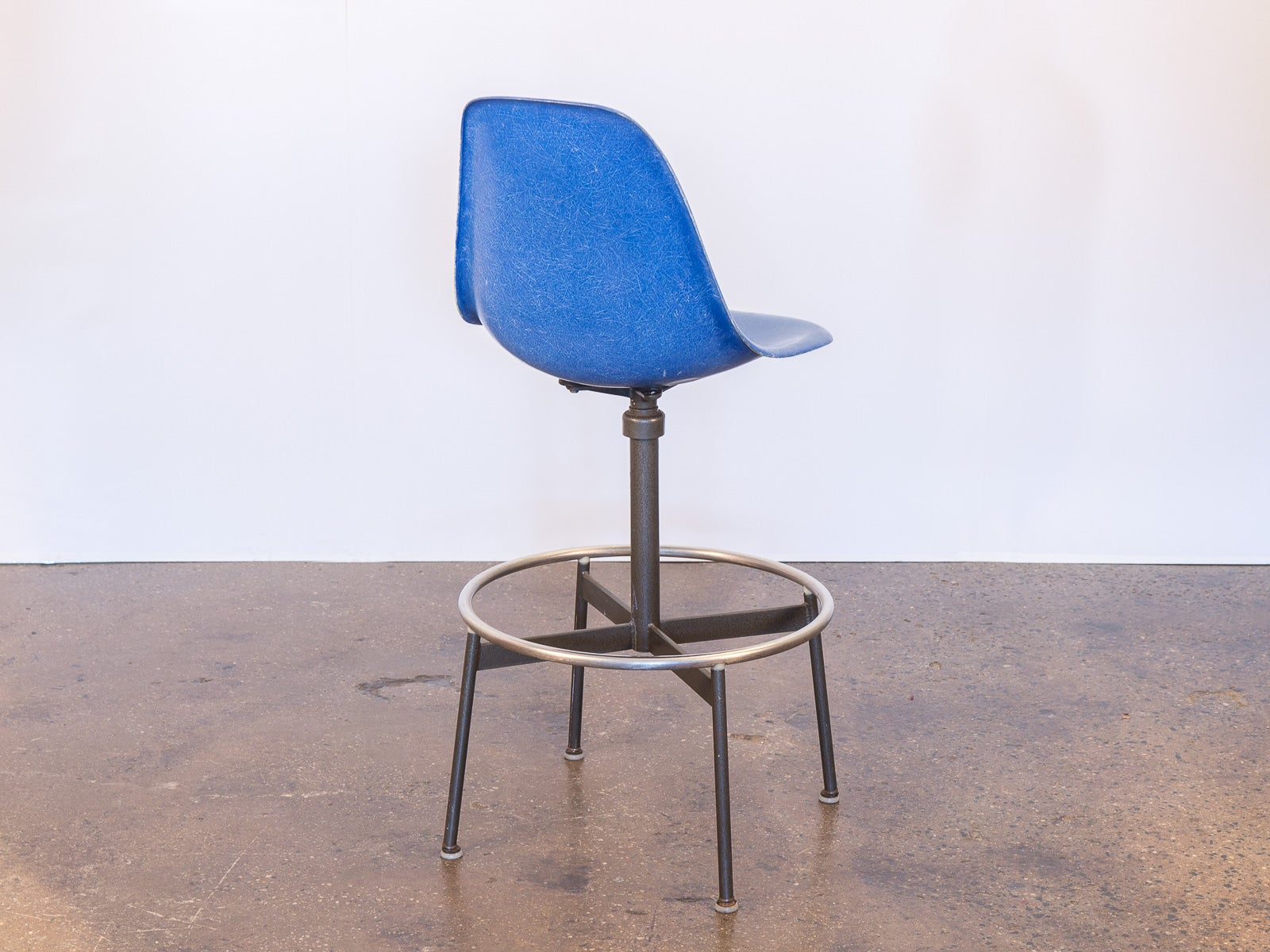 Fabulous Charles And Ray Eames Drafting Stool For Herman Miller At Uwap Interior Chair Design Uwaporg