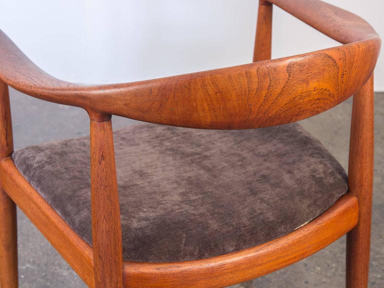20th Century Hans J Wegner Round Chair For Sale