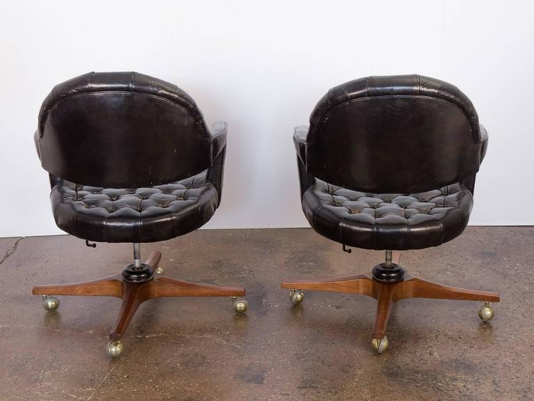 Pair of Edward Wormley Dunbar Tufted Swivel Chairs In Excellent Condition For Sale In Brooklyn, NY