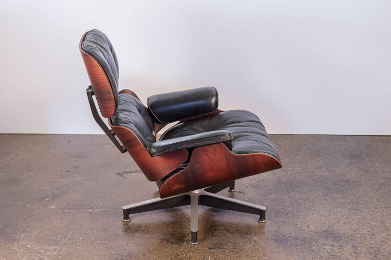 Mid-Century Modern Charles and Ray Eames 670 Lounge Chair for Herman Miller For Sale