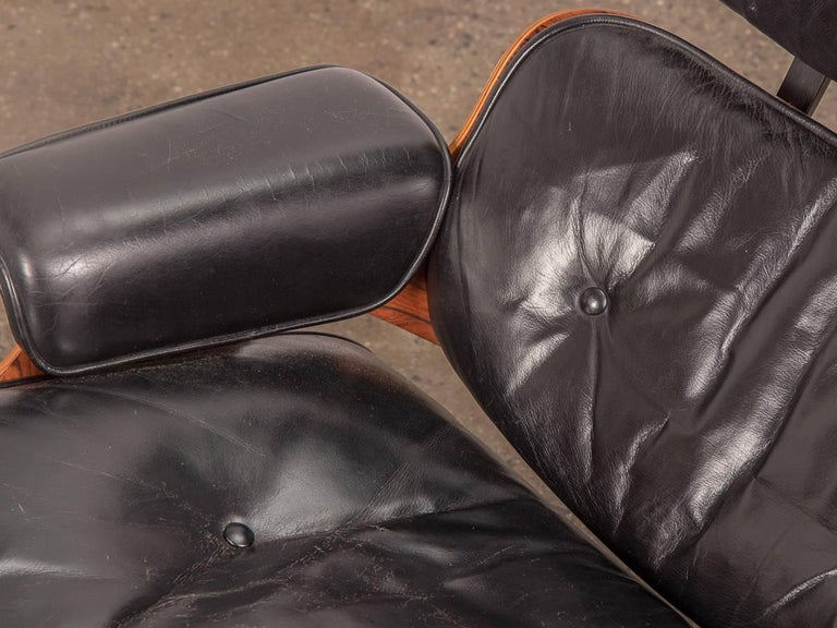 Pair of 1960s Eames 670 Lounge Chairs and 671 Ottomans For Sale 1