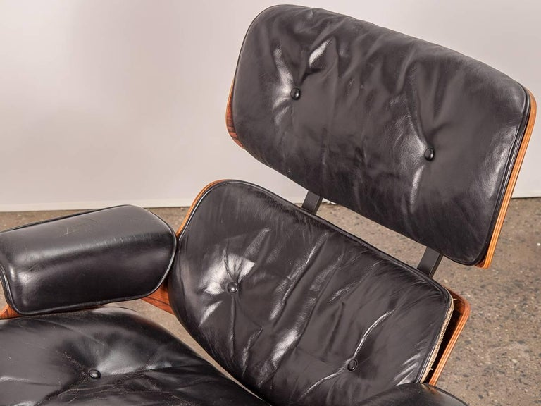 Leather Pair of 1960s Eames 670 Lounge Chairs and 671 Ottomans For Sale