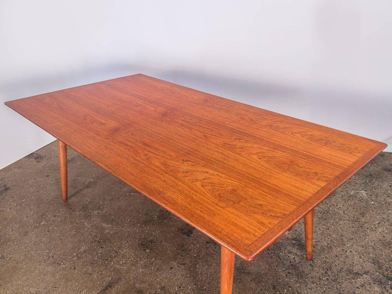 Hans J. Wegner JH570 Teak Dining Table for Johannes Hansen In Excellent Condition In Brooklyn, NY
