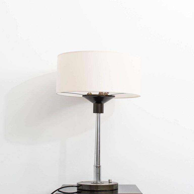 20th century art deco table lamps for sale at 1stdibs. Black Bedroom Furniture Sets. Home Design Ideas