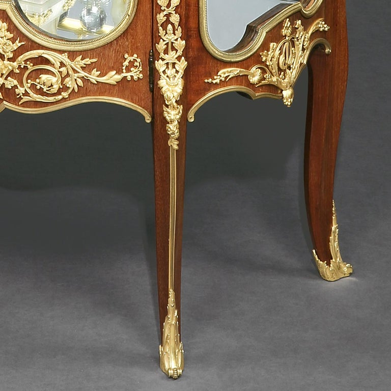 French Ormolu-Mounted Mahogany Vitrine Firmly Attributed to François Linke For Sale