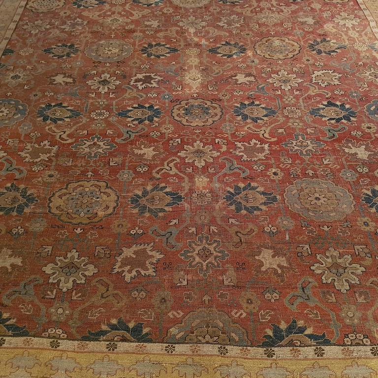 18th Century Caucasian Carpet With Harshang Pattern For