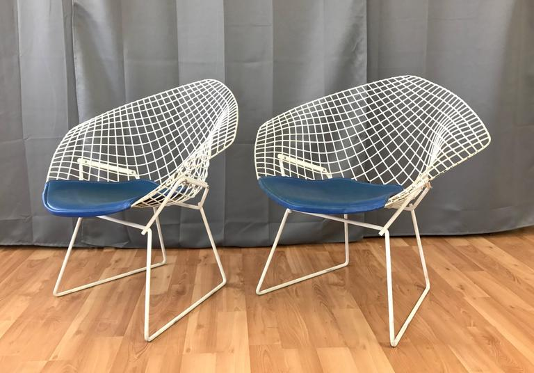 Mid-Century Modern Pair of Vintage Harry Bertoia Diamond Chairs for Knoll For Sale & Pair of Vintage Harry Bertoia Diamond Chairs for Knoll at 1stdibs