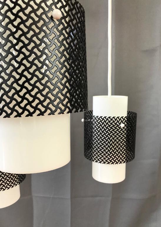 Metal Mid-Century Modern Triple Pendant Ceiling Light Fixture For Sale