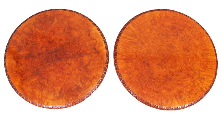English Antique 19th Century Pair of Walnut Lamp Tables For Sale