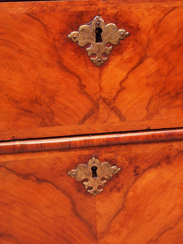 George I Antique Georgian 18th Century Walnut Chest of Drawers For Sale