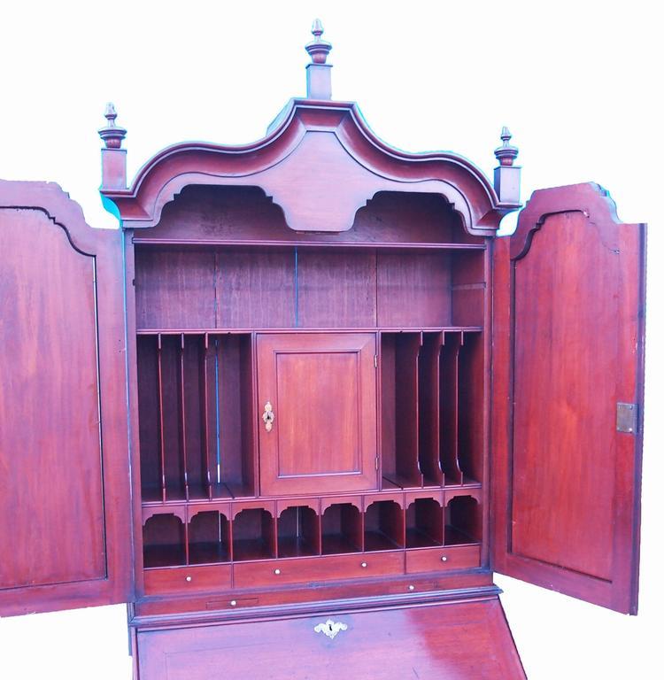 Georgian Early 18th Century Solid Walnut English Bureau Bookcase For Sale