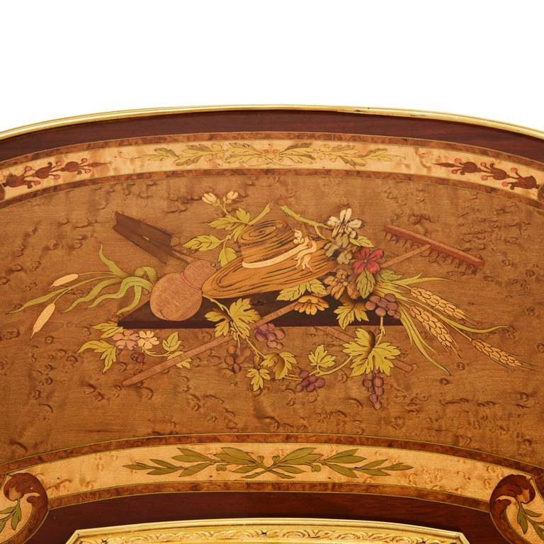 Louis XV Style Kidney Shaped Ormolu-Mounted Dressing Table by Sormani For Sale 1