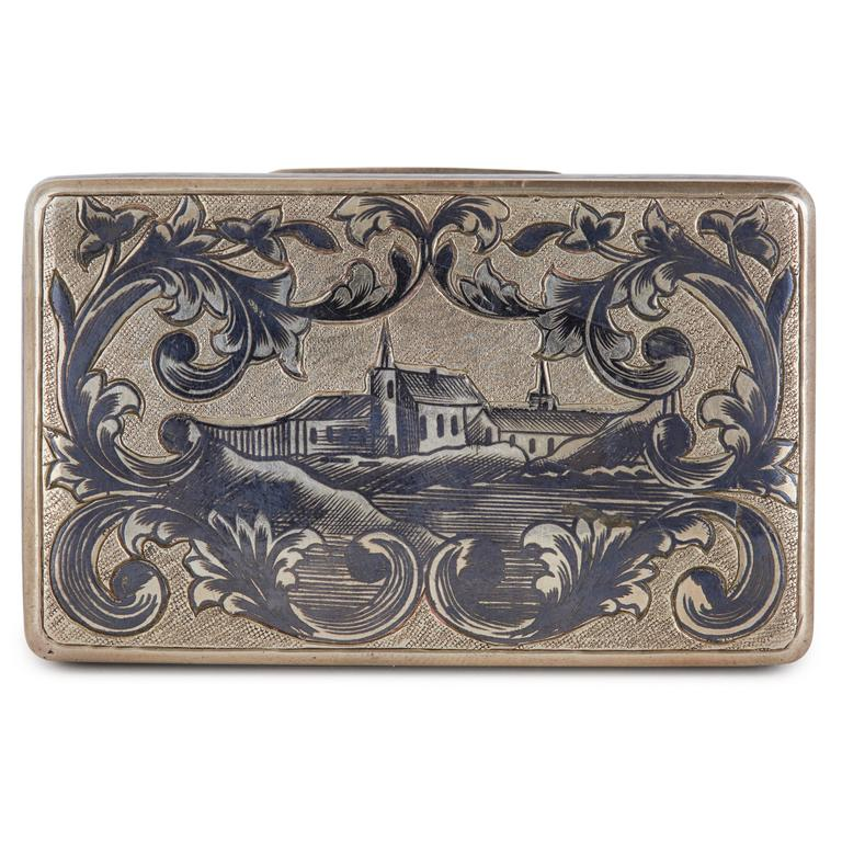 Scene of Russian town surrounded by floral detailing on lid, lozenge design to sides.