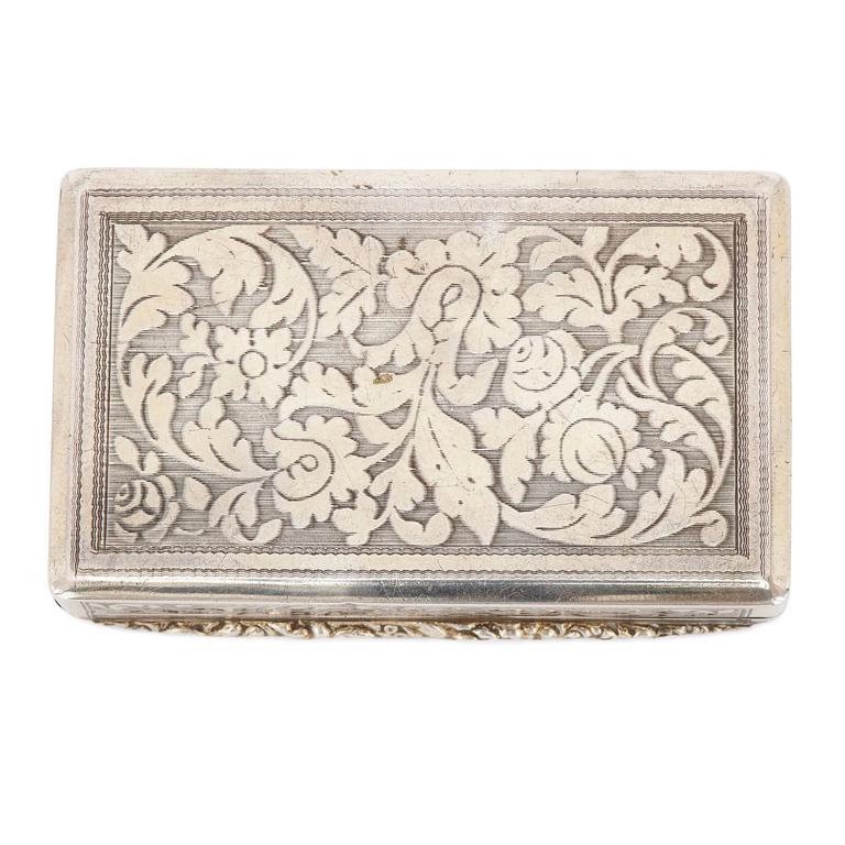 Mosaic Antique Chased Silver Snuff Box Set with Fine Italian Micromosaic Plaque For Sale
