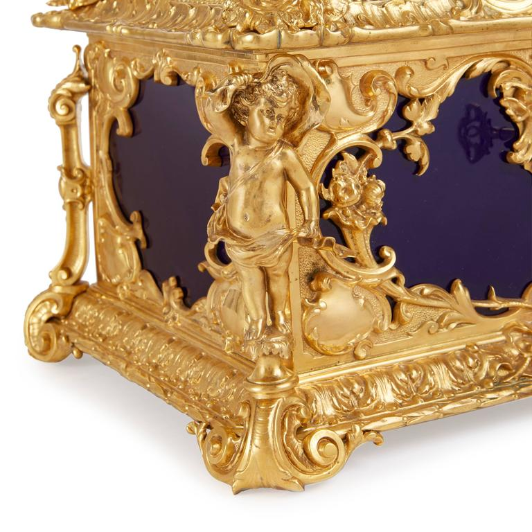 Louis XVI Style Ormolu-Mounted KPM Porcelain Casket In Good Condition For Sale In London, GB