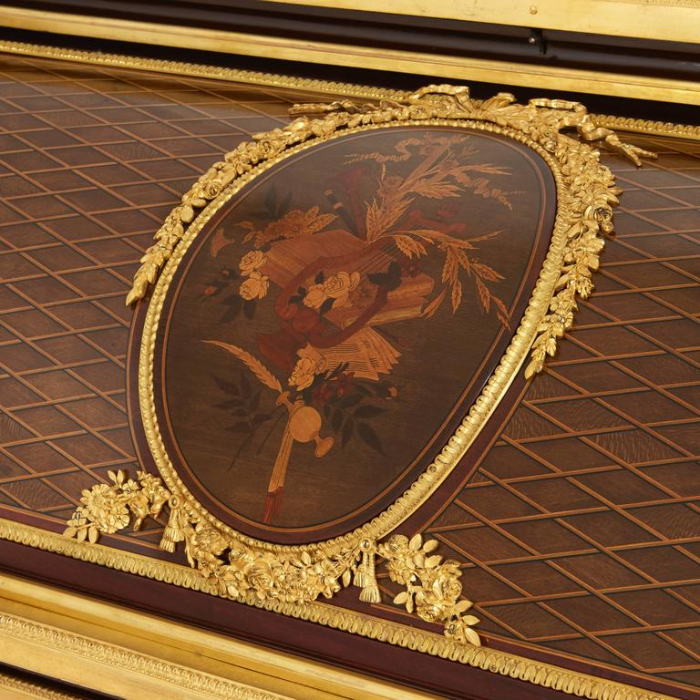 Ormolu-Mounted Marquetry Roll-Top Desk Attributed to P. Bernard In Excellent Condition For Sale In London, GB