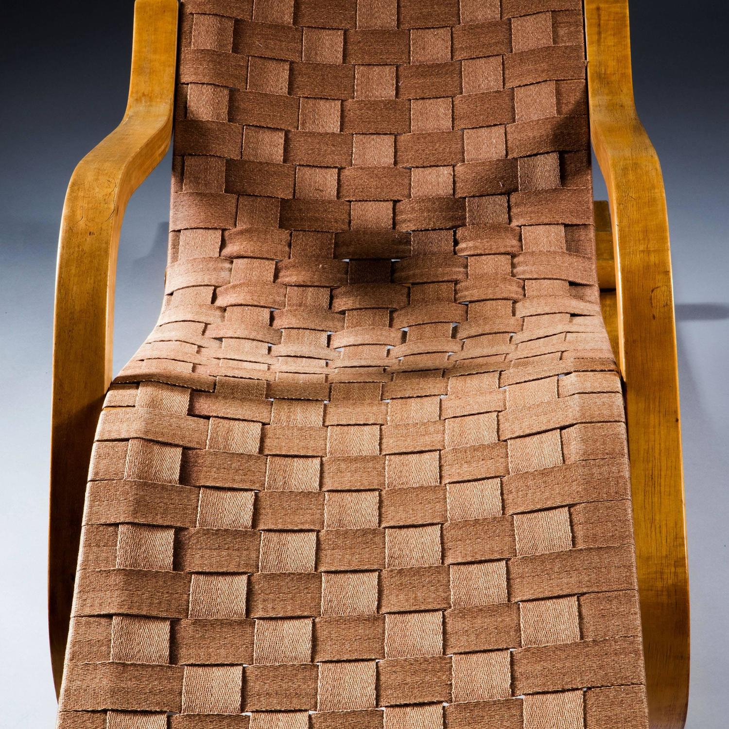 Fine birch chaise longue by alvar aalto for sale at 1stdibs for Chaise alvar aalto