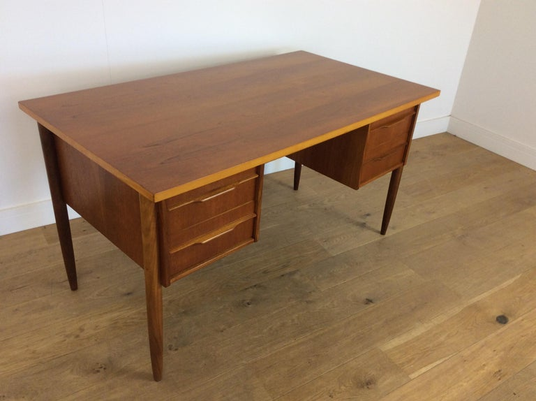 Mid-Century Modern Midcentury desk For Sale
