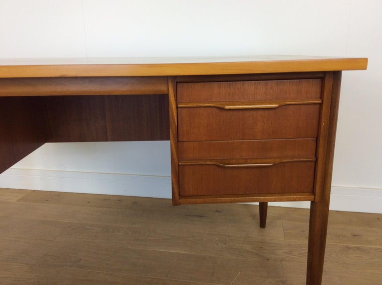 20th Century Midcentury desk For Sale