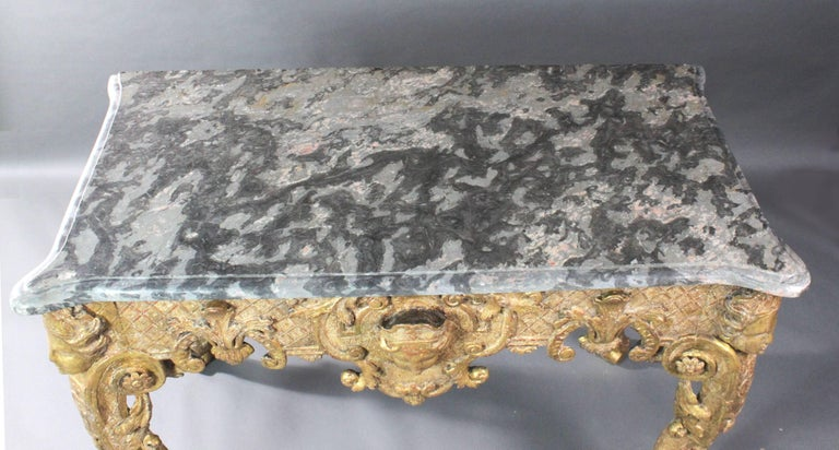 Late 17th Century Gilt wood Console Table For Sale 2
