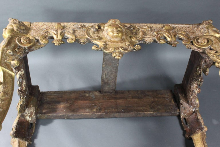 Late 17th Century Gilt wood Console Table For Sale 3