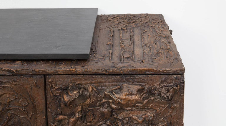 1960s Braun Bronze Harz Wand-Sideboard by Paul Evans 7