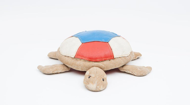 Turtle, children toy in jute and leather by Renate Müller, Germany, 1971.  Authentic animal toy from the 1970s by Renate Müller. Unique in shape and workmanship. This example shows a turtle made of jute and decorated with leather pieces in red,