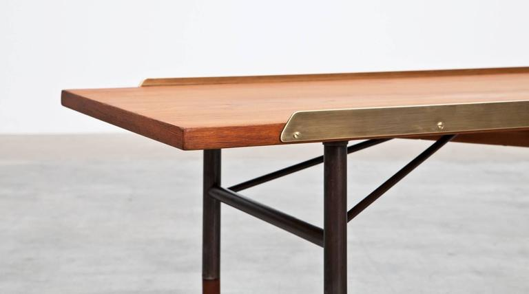 Finn Juhl Coffee Table or Bench In Excellent Condition For Sale In Frankfurt, Hessen, DE