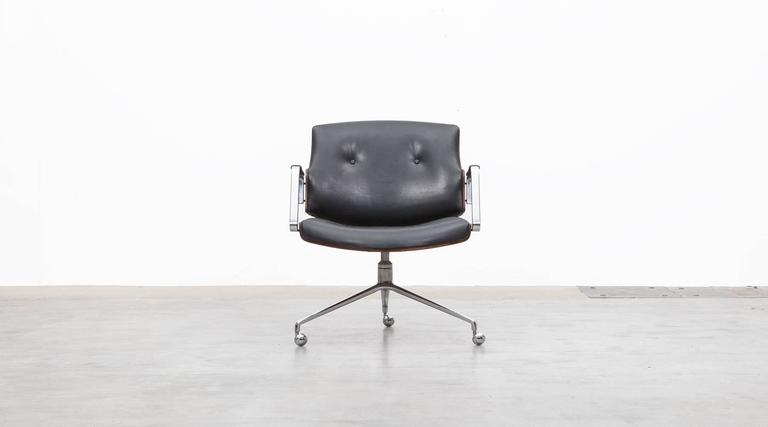 Mid-Century Modern 1960s Brown Wood and Black Leather Swivel Chair by Fabricius and Kastholm 'a' For Sale