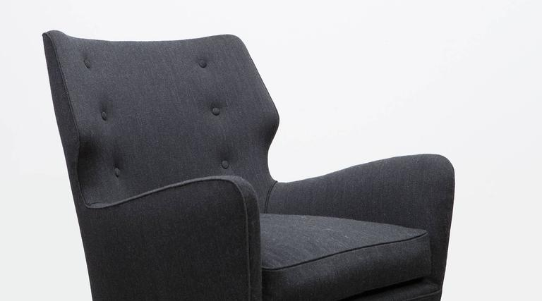 Pair of Gio Ponti Lounge Chairs 'B' 'New Upholstery' For Sale 2