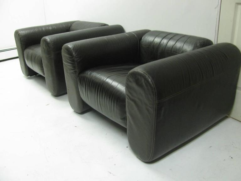 Pair of Mid-Century Modern Leather Club Lounge Chairs by Stendig In Excellent Condition For Sale In Port Jervis, NY