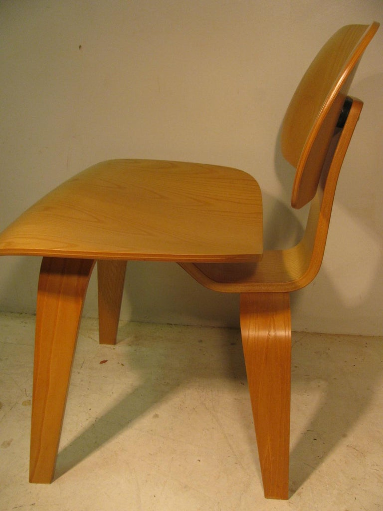 American Set of Six Charles and Ray Eames DCW Oak Dining Chairs for Herman Miller For Sale