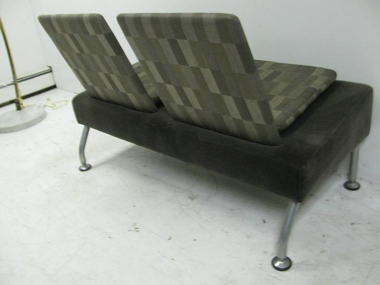 Modernist Two-Seat Sofa in Grey For Sale 1