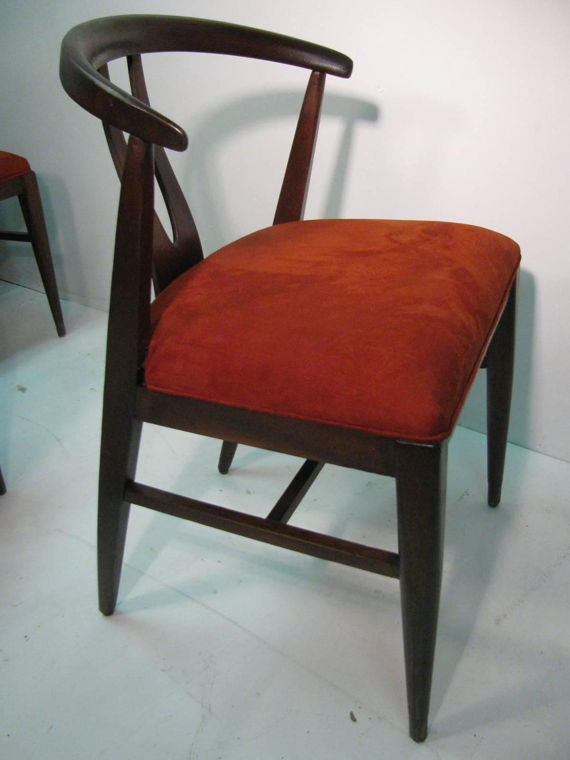 Set Of Six Mid Century Modern Wishbone Chairs In The Style