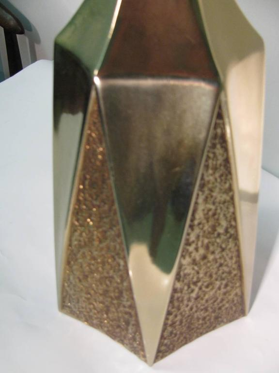 Pair of Mid-Century Modern Brutalist Table Lamps by Laurel In Excellent Condition For Sale In Port Jervis, NY