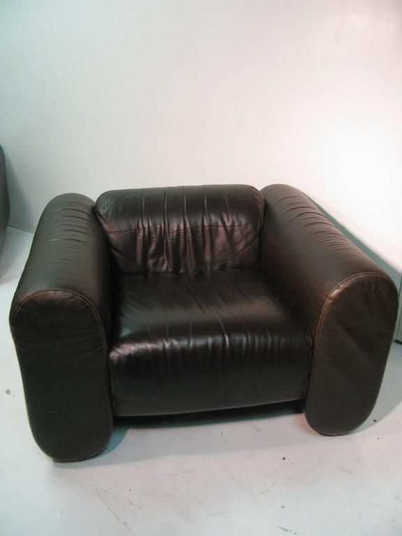 Pair of Mid-Century Modern Leather Club Lounge Chairs by Stendig For Sale 1