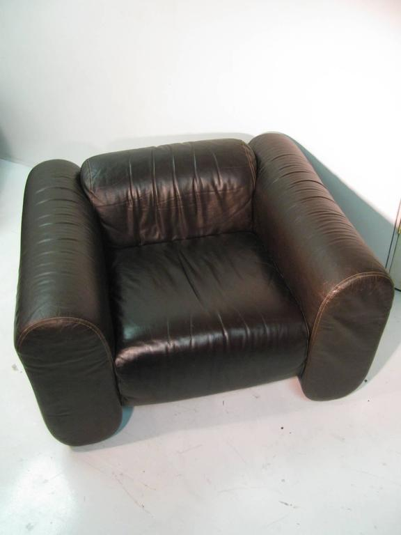 Late 20th Century Pair of Mid-Century Modern Leather Club Lounge Chairs by Stendig For Sale