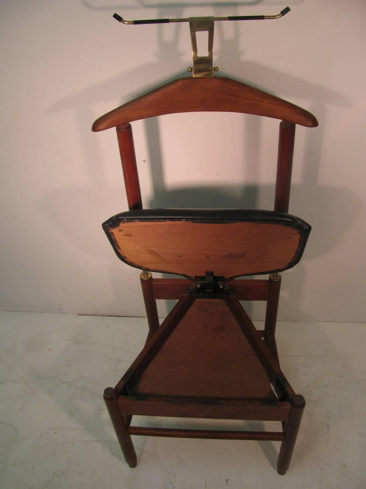 Mid Century Modern Teak Clothes Valet Chair, Fratelli Reguitti Italy In  Excellent Condition For
