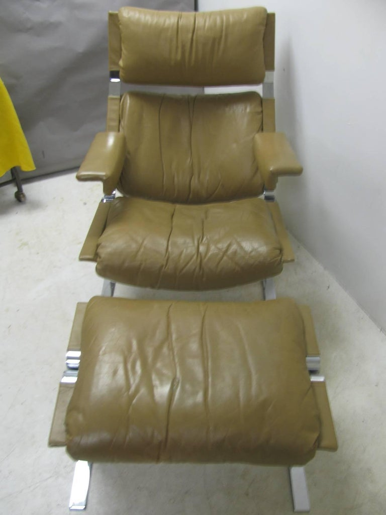 Italian Mid-Century Modern Leather Lounge Chair with Ottoman by Richard Hersberger For Sale