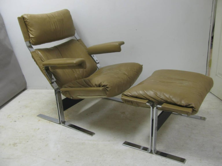 Fabulous design along with max comfort. All the right angles mixed with great materials make for a ultra comfort chair with ottoman. Heavy plated nickel chrome frame gives the strength to the piece while cushy leather/foam padding supplies the