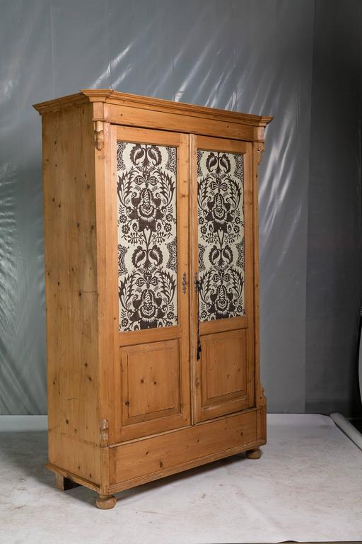 pine armoire english 19th century at 1stdibs. Black Bedroom Furniture Sets. Home Design Ideas