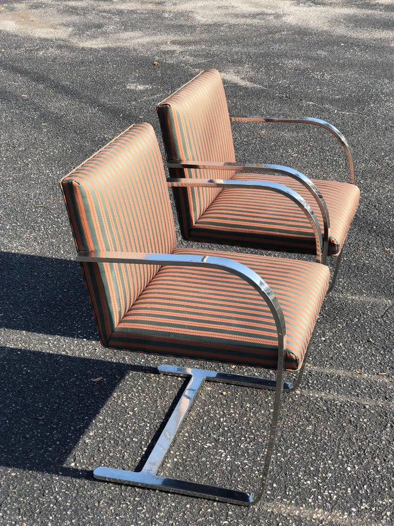 Pair of Flat Bar Brno Chairs attributed to Ludwig Mies van der Rohe for Knoll In Good Condition For Sale In Redding, CT