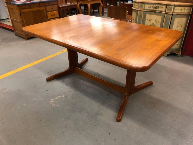 Mid century modern solid teak extension dining table at for Cie no 85 table 4