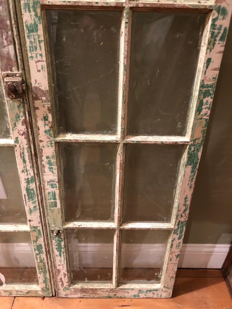 Pair of Antique Windows In Distressed Condition For Sale In Redding, CT