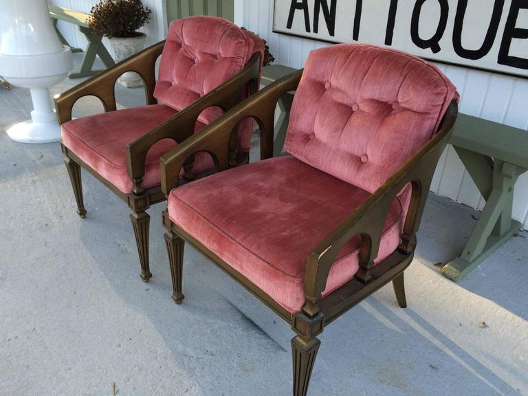 Mid-20th Century Pair of Hollywood Regency Chairs For Sale