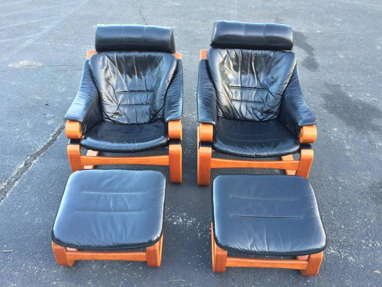 Pair of Danish Modern Leather Lounge Chairs with Ottomans For Sale 2