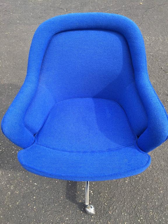 Upholstery Mid-Century Swivel Chair in the Style of Max Pearson