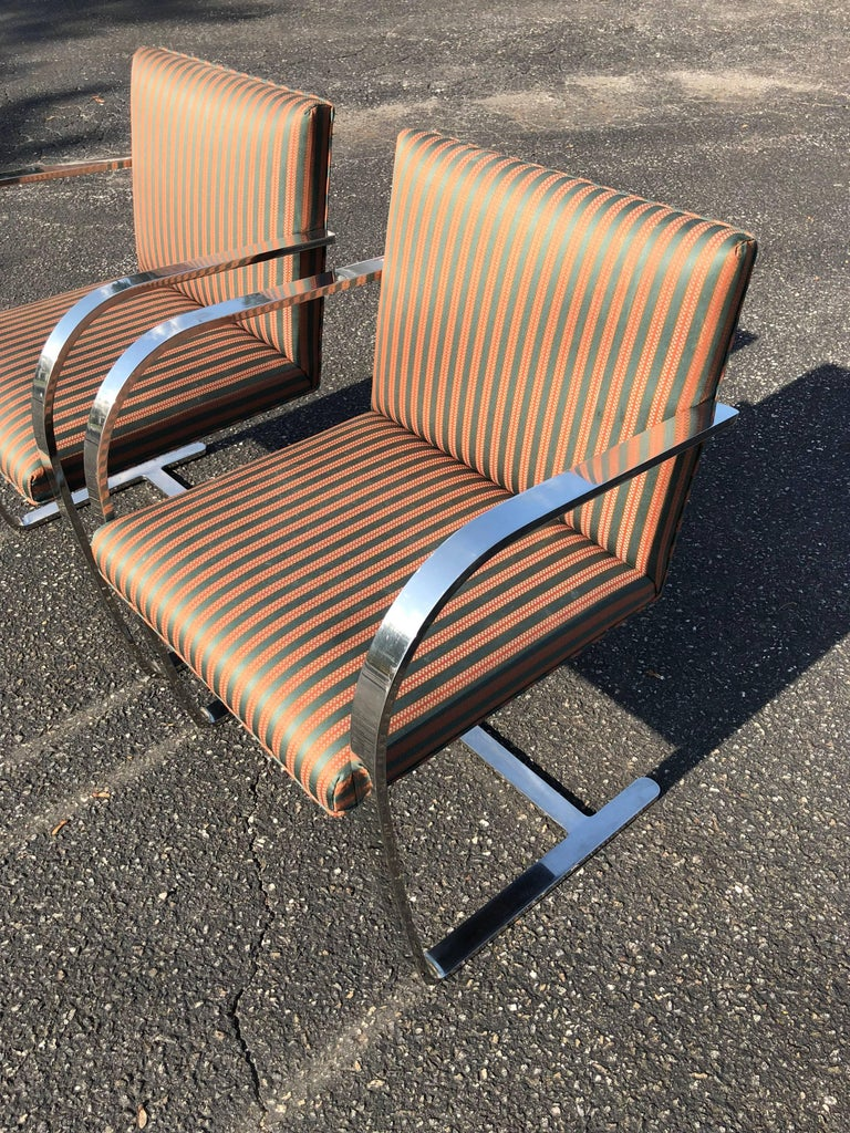 Pair of Flat Bar Brno Chairs attributed to Ludwig Mies van der Rohe for Knoll For Sale 4