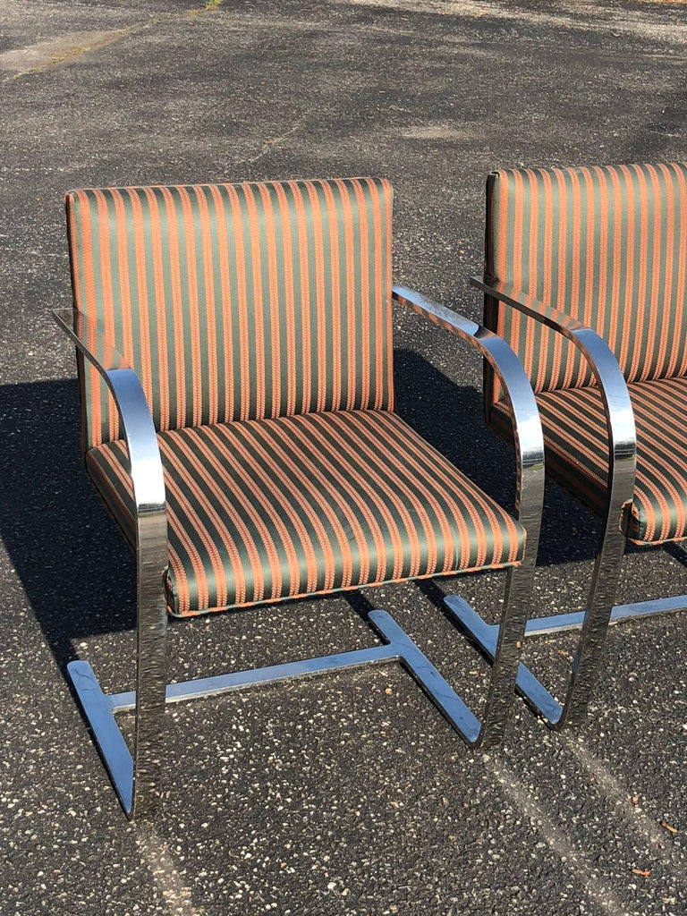 Pair of Flat Bar Brno Chairs attributed to Ludwig Mies van der Rohe for Knoll For Sale 3